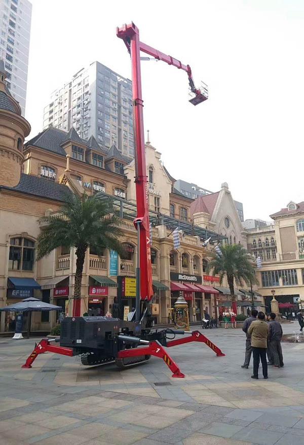 国产32米曲臂式履带蜘蛛车